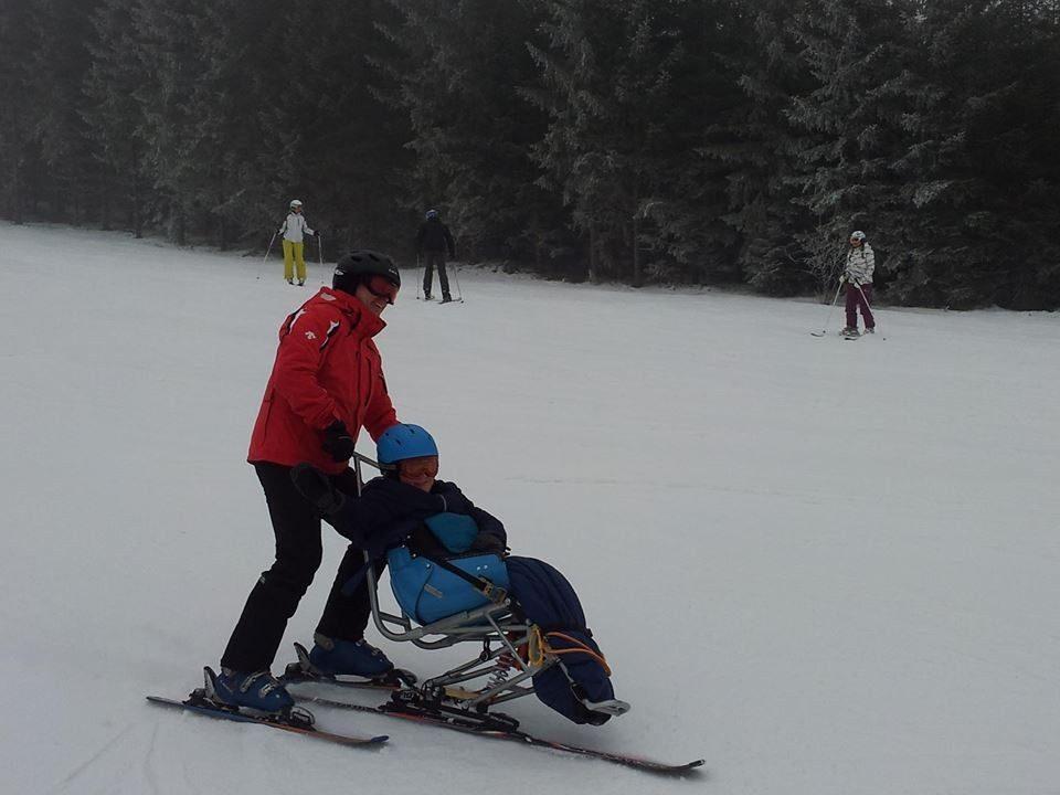 Patrik si užívá zimní radovánky